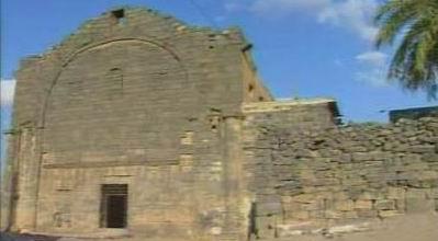 Gereja tua Busra Syam abad 4 disini konon pendeta Bukhaira melihat tanda-kenabian Muhammad-saw usia-12-thn ketika berdagang dengan Abu Thalib ke Syam.